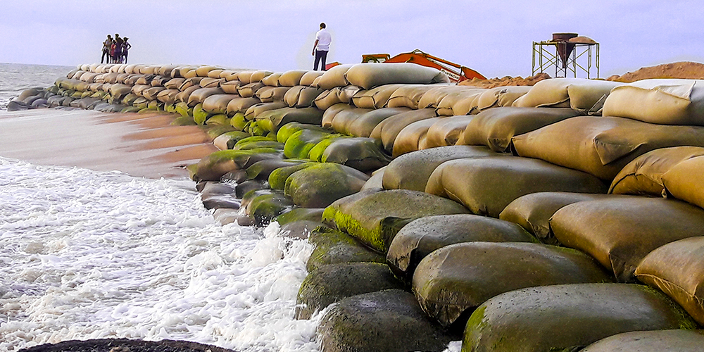 sri lanka, Skytech Engineering, Waveplus, sandbags , beach erosion